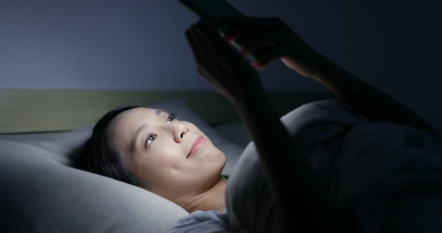 1/ Thói quen ngủ thiếu khoa học 1