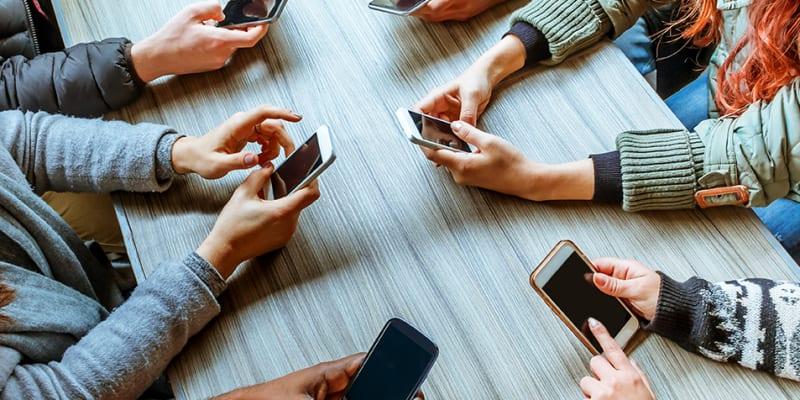 1. Nghiện các ứng dụng mạng xã hội 1